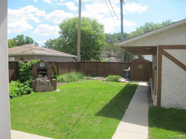 Photo 4: Photos:  in WINNIPEG: East Kildonan Residential for sale (North East Winnipeg)  : MLS®# 1416037