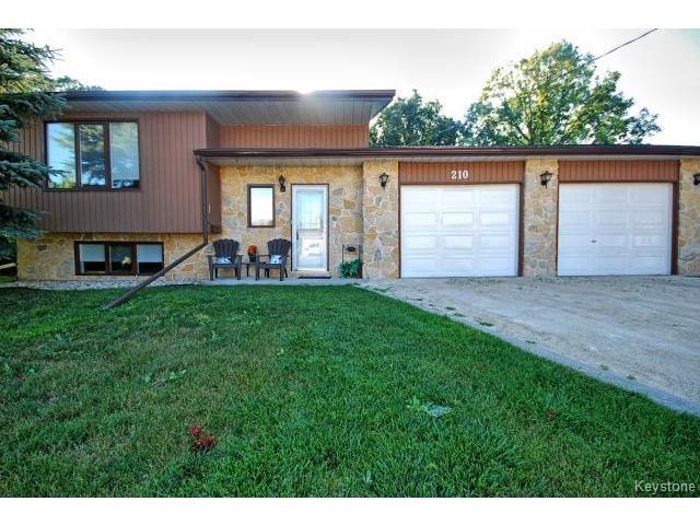 Main Photo: 210 Carson Park Drive in LORETTE: Dufresne / Landmark / Lorette / Ste. Genevieve Residential for sale (Winnipeg area)  : MLS®# 1419936