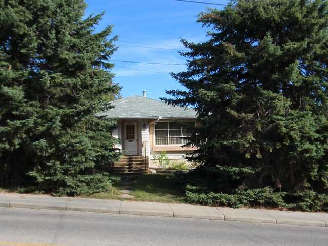 Main Photo: 1904 23 Avenue SW in Calgary: Bankview Residential Detached Single Family for sale : MLS®# C3633541