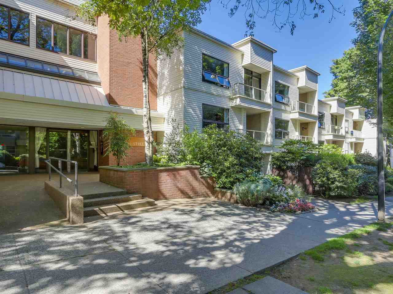 Main Photo: 203 1350 COMOX STREET in Vancouver: West End VW Condo for sale (Vancouver West)  : MLS®# R2096404