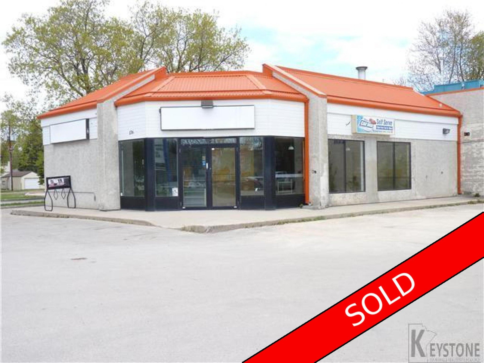 Main Photo: 176 Main Street in Selkirk, MB r1a2s6: Business for sale : MLS®# 1711678