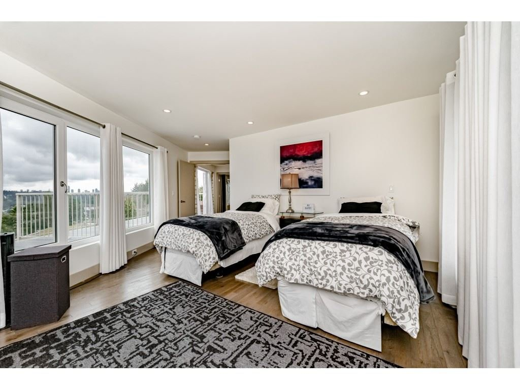 Photo 11: Photos: 2170 KAPTEY Avenue in Coquitlam: Cape Horn House for sale : MLS®# R2405015