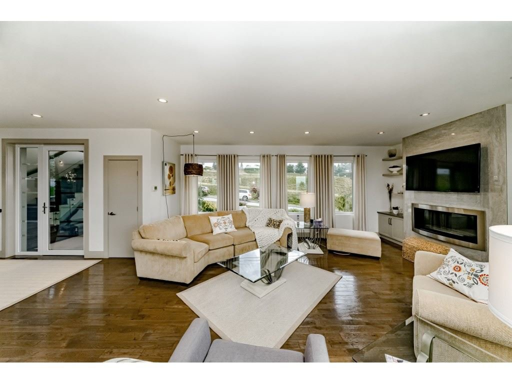 Photo 3: Photos: 2170 KAPTEY Avenue in Coquitlam: Cape Horn House for sale : MLS®# R2405015
