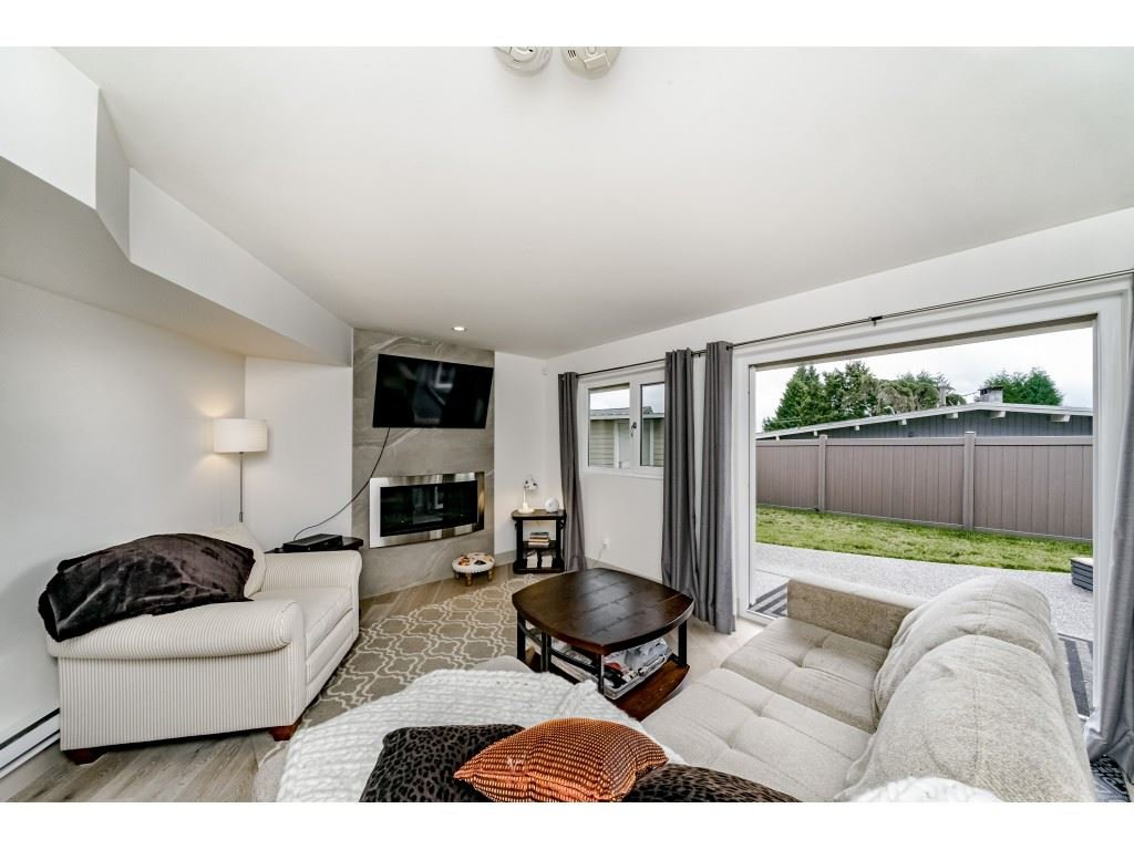 Photo 15: Photos: 2170 KAPTEY Avenue in Coquitlam: Cape Horn House for sale : MLS®# R2405015
