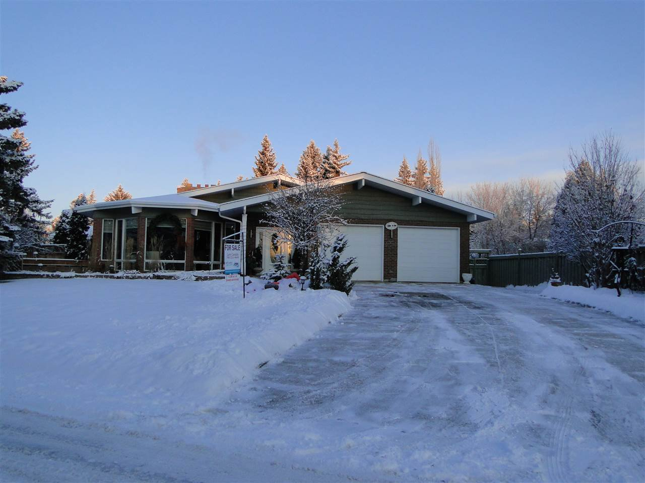 Main Photo: 14004 47 Avenue in Edmonton: Zone 14 House for sale : MLS®# E4185286