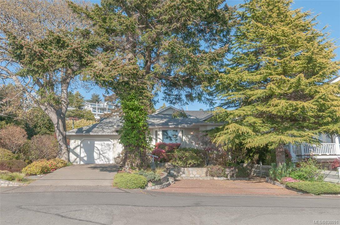 Main Photo: 2002 Lorne Terr in Oak Bay: OB Gonzales House for sale : MLS®# 838091