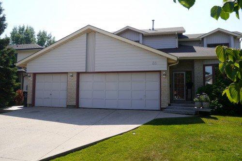 Main Photo: 88 Brentcliffe Drive in Winnipeg: Lindenwoods Single Family Detached for sale (South Winnipeg)  : MLS®# 1420262