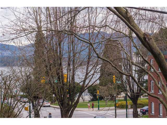 Main Photo: # 105 1575 BALSAM ST in Vancouver: Kitsilano Condo for sale (Vancouver West)  : MLS®# V1108144