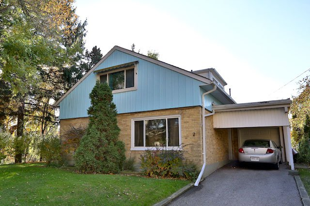 Main Photo: 2 S Orchard Green in Toronto: Bennington Heights Freehold for sale (Toronto C11)