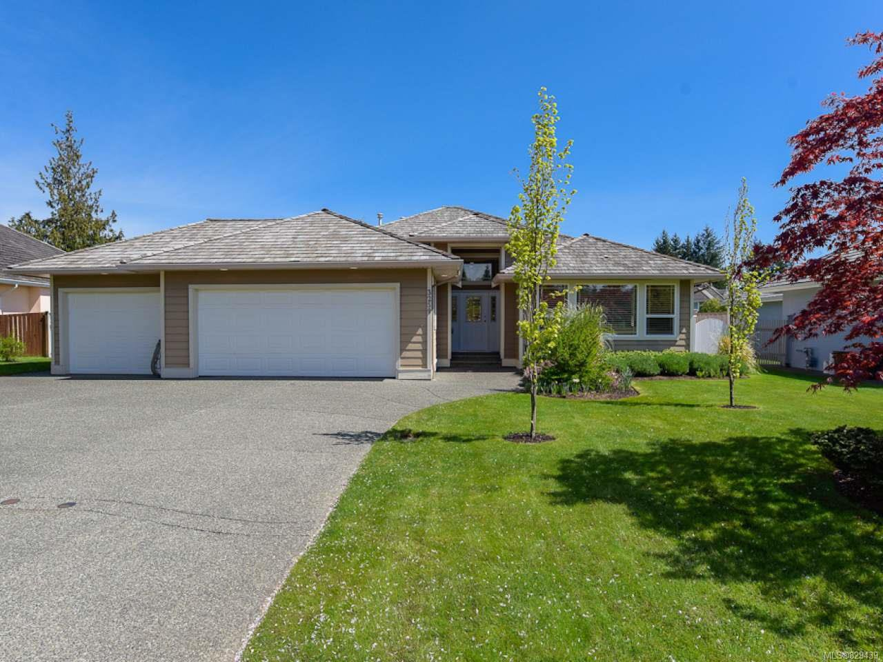 Main Photo: 3259 Majestic Dr in COURTENAY: CV Crown Isle House for sale (Comox Valley)  : MLS®# 829439