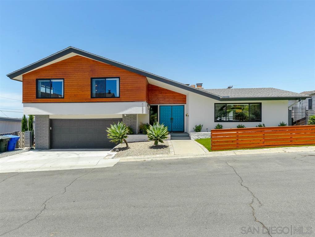 Main Photo: LA MESA House for sale : 4 bedrooms : 8522 Boulder Dr