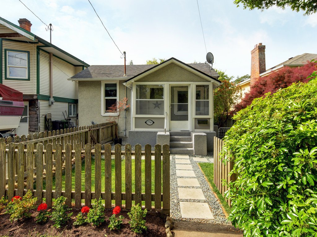 Main Photo: 1785 Adanac St in : Vi Jubilee House for sale (Victoria)  : MLS®# 851952