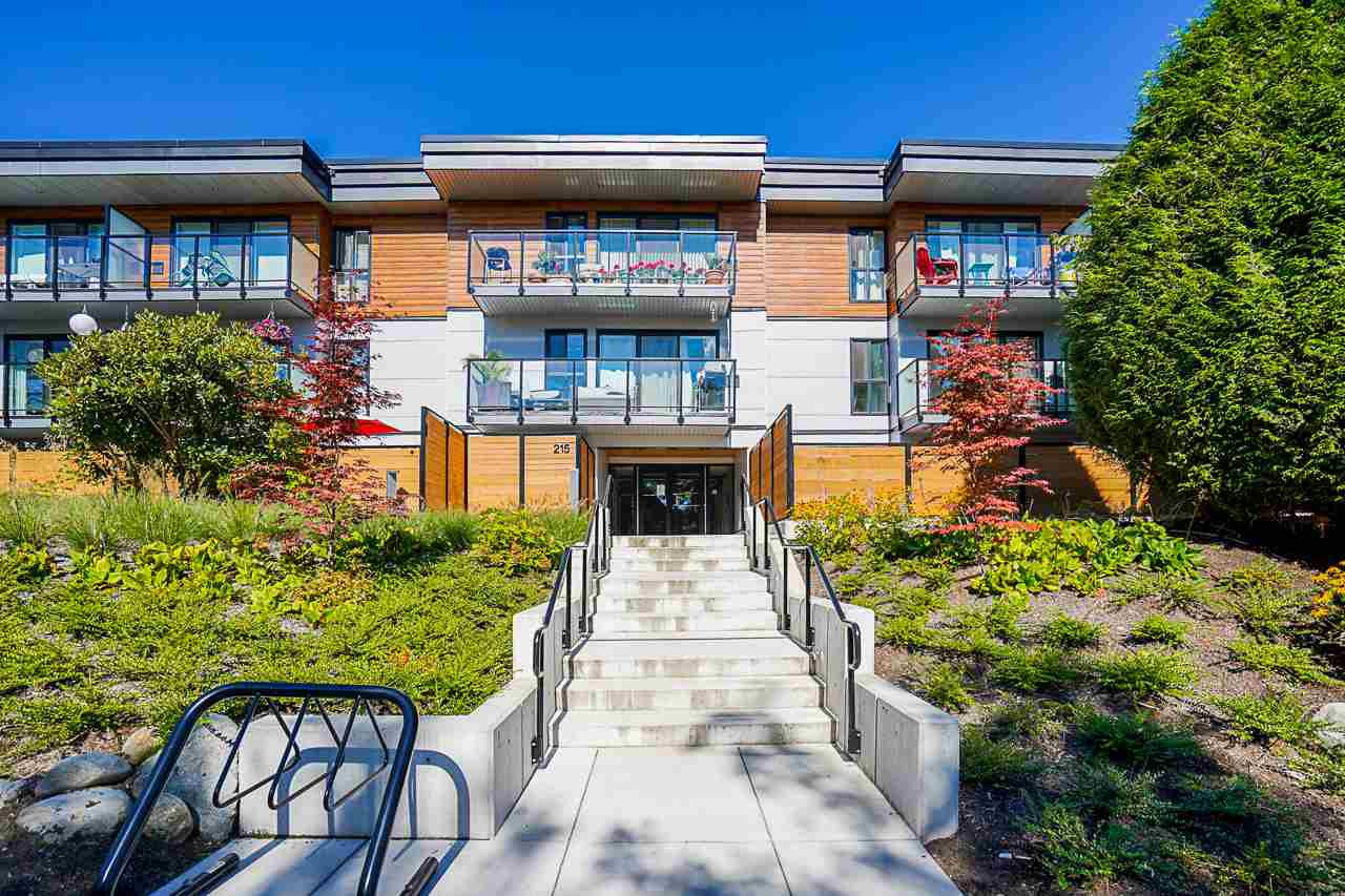 """Main Photo: 207 215 MOWAT Street in New Westminster: Uptown NW Condo for sale in """"Cedarhill Manor"""" : MLS®# R2492600"""