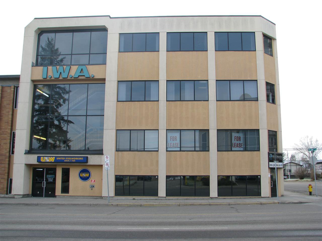 Main Photo: 301 1777 3RD Avenue in Prince George: Crescents Office for lease (PG City Central (Zone 72))  : MLS®# C8034418