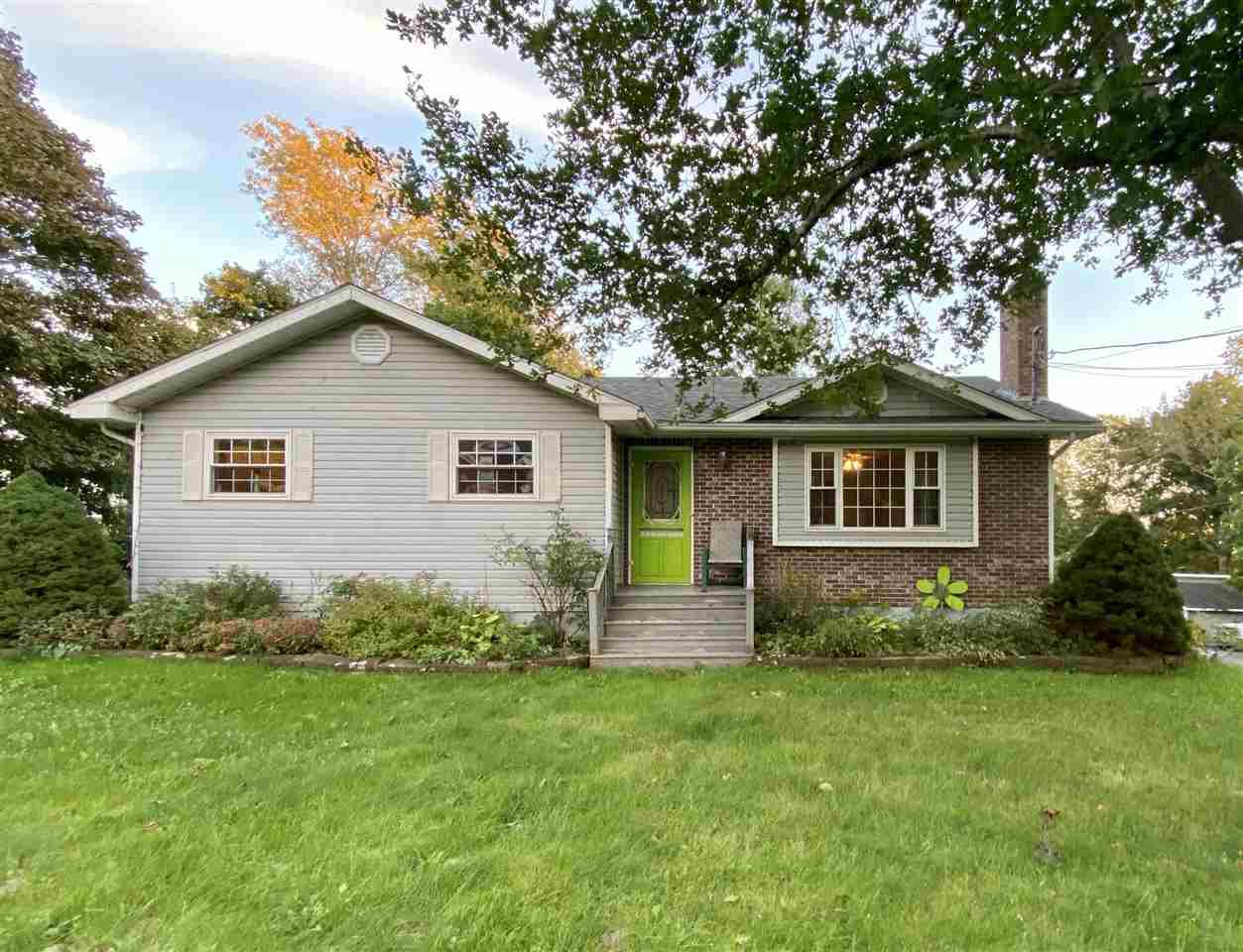 Main Photo: 21 Grange Street in Pictou: 107-Trenton,Westville,Pictou Residential for sale (Northern Region)  : MLS®# 202019941