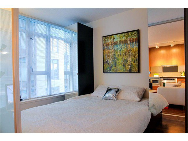Photo 6: Photos: 711 251 E 7TH Avenue in Vancouver: Mount Pleasant VE Condo for sale (Vancouver East)  : MLS®# V983048