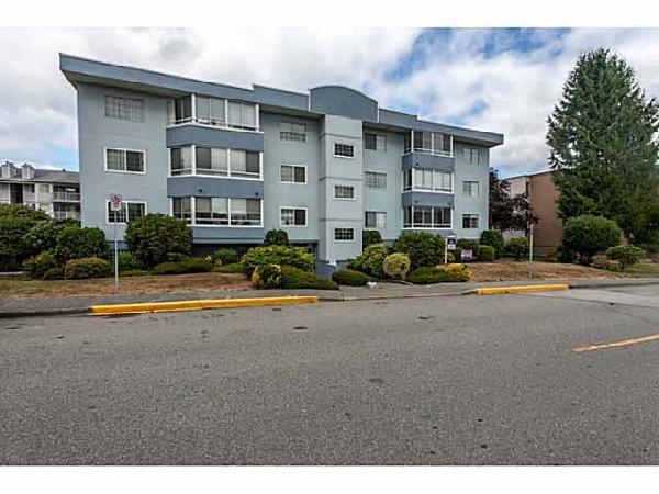 Main Photo: 103 22241 Selkirk Avenue in Maple Ridge: Condo for sale : MLS®# V1140305