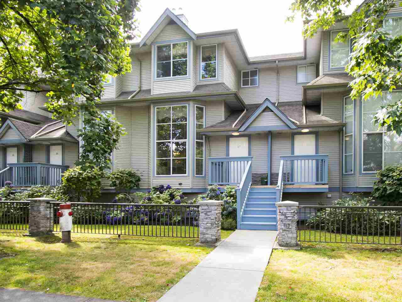 Main Photo: 47 19034 MCMYN ROAD in Pitt Meadows: Mid Meadows Townhouse for sale : MLS®# R2100043