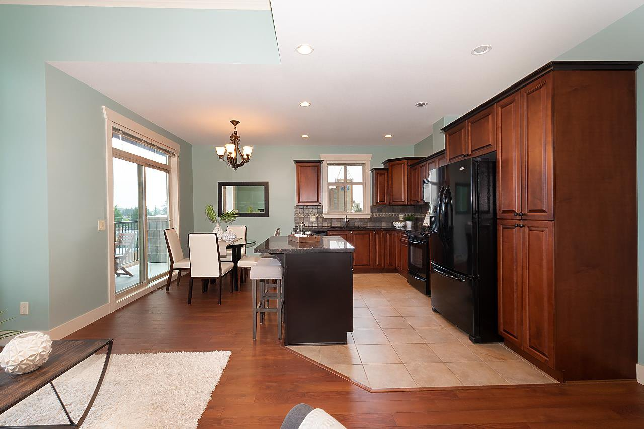 """Photo 12: Photos: 402 46021 SECOND Avenue in Chilliwack: Chilliwack E Young-Yale Condo for sale in """"THE CHARLESTON"""" : MLS®# R2406123"""