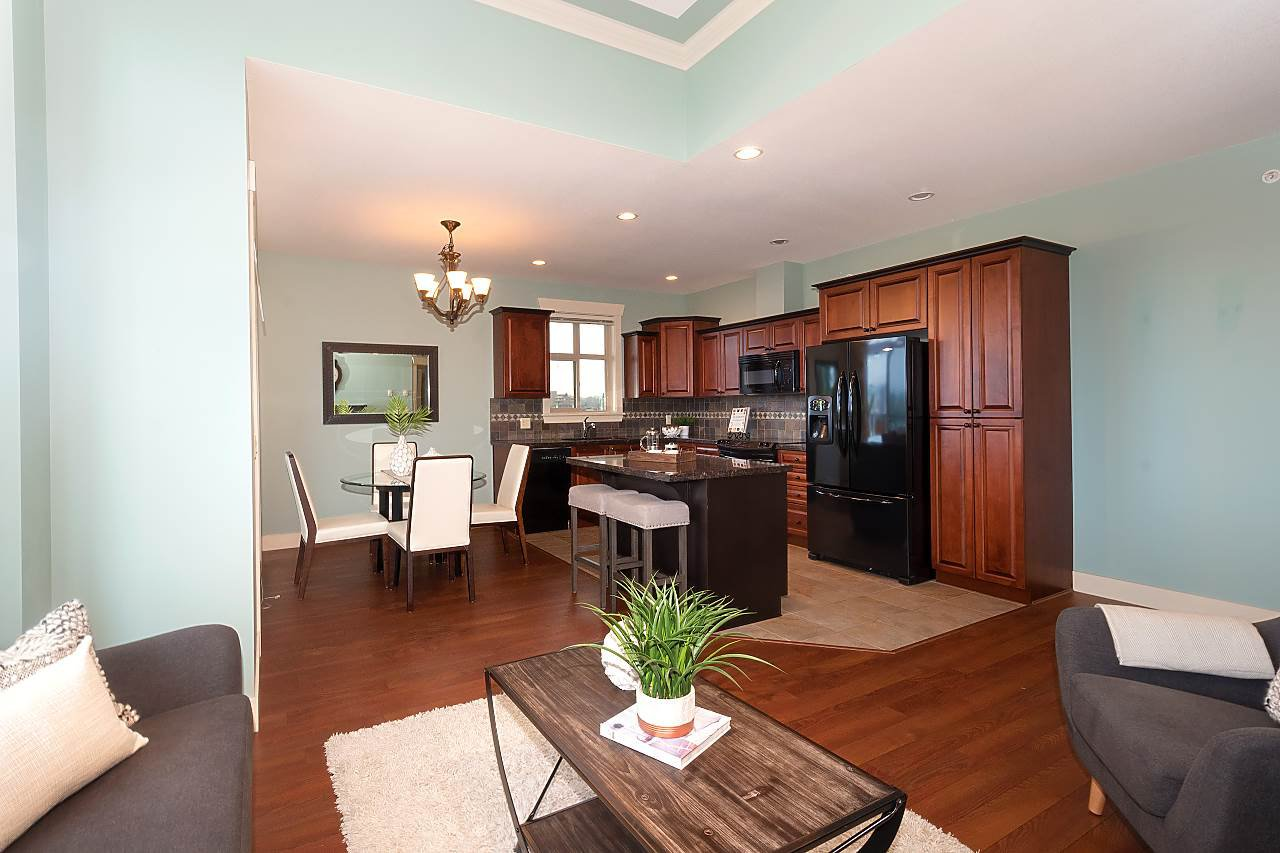 """Photo 8: Photos: 402 46021 SECOND Avenue in Chilliwack: Chilliwack E Young-Yale Condo for sale in """"THE CHARLESTON"""" : MLS®# R2406123"""