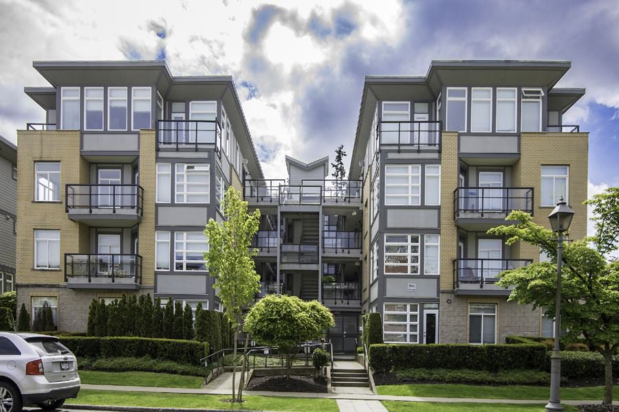 Main Photo: 301 5692 KINGS ROAD in : University VW Condo for sale : MLS®# R2168564