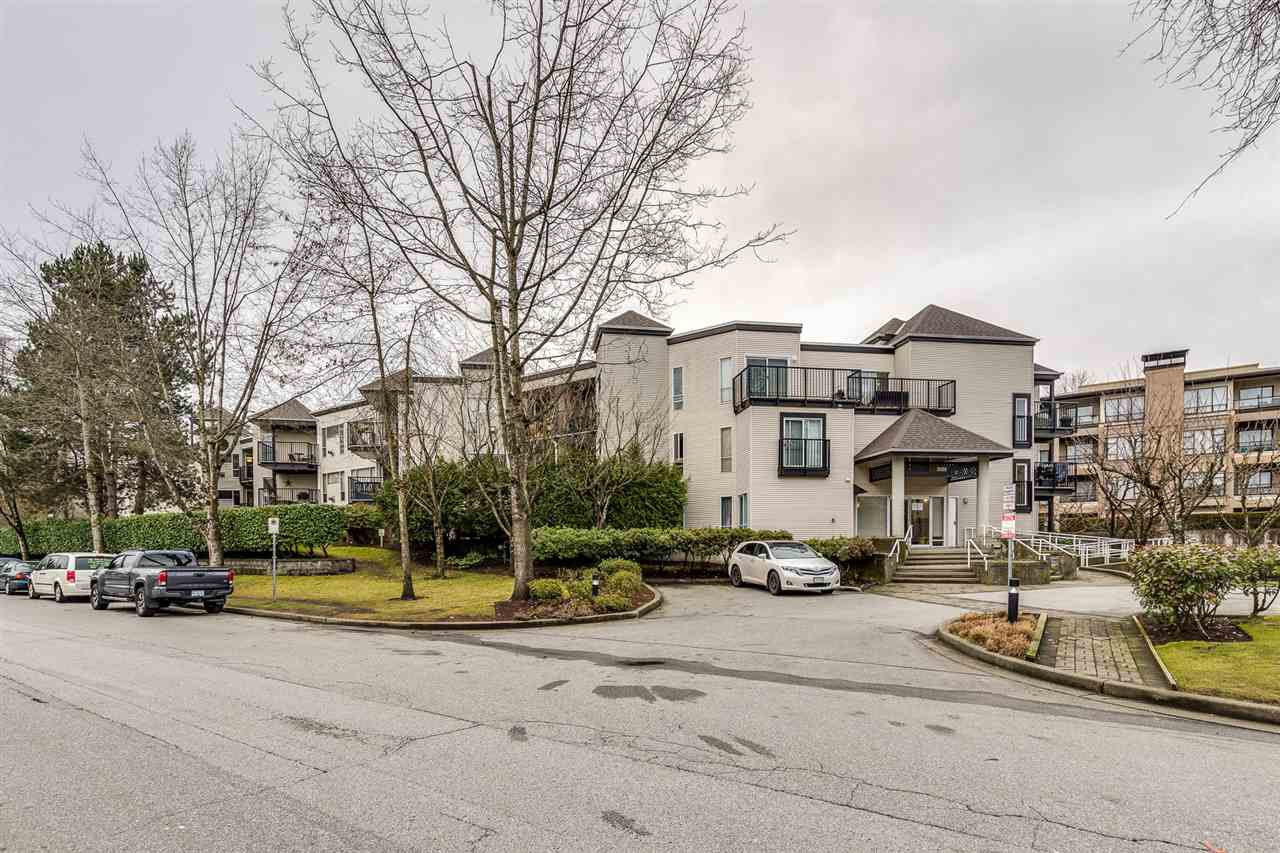 Main Photo: 107 2429 HAWTHORNE Avenue in Port Coquitlam: Central Pt Coquitlam Condo for sale : MLS®# R2448034