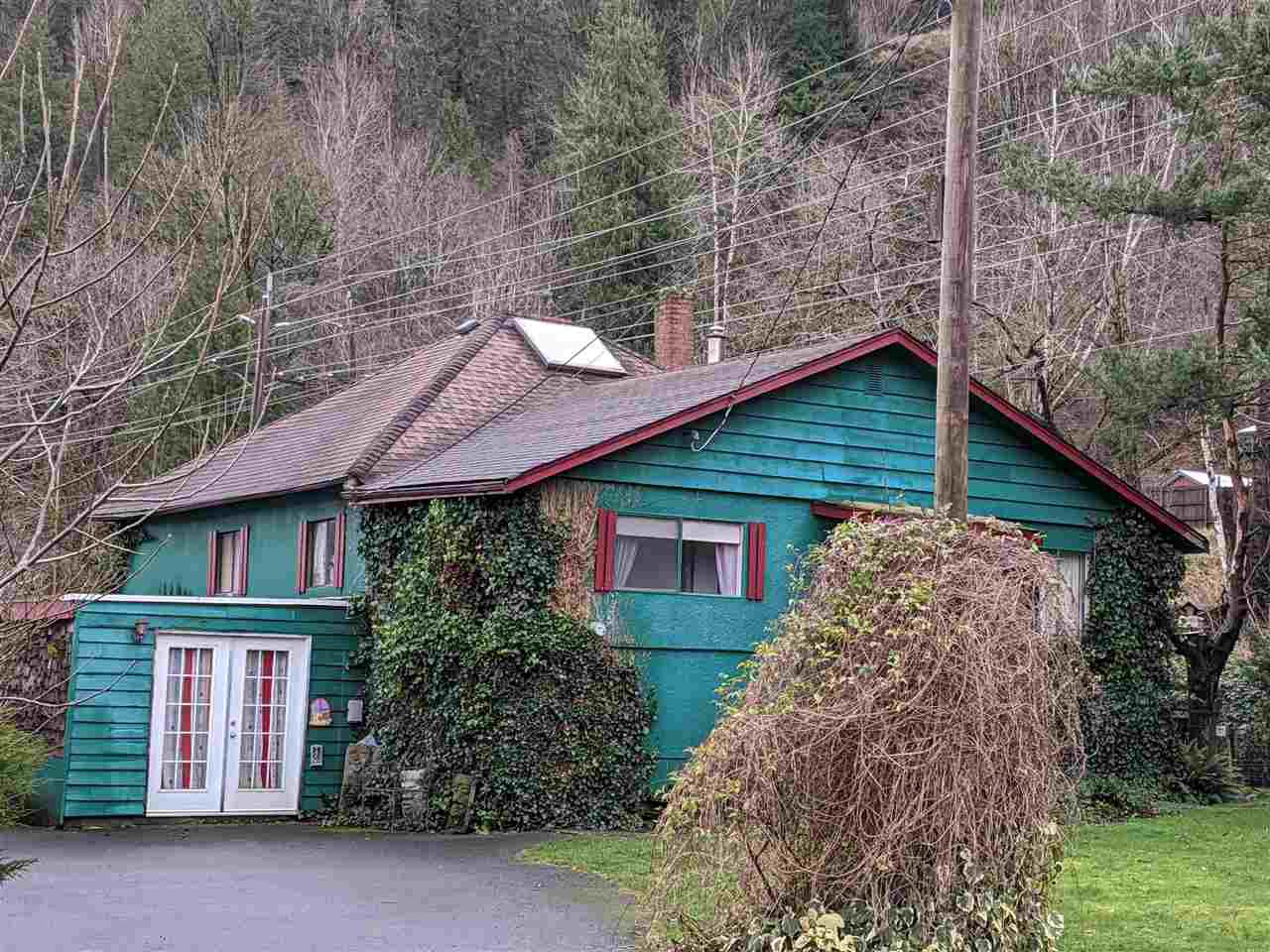 Main Photo: 4142 WILSON Road: Yarrow House for sale : MLS®# R2450058