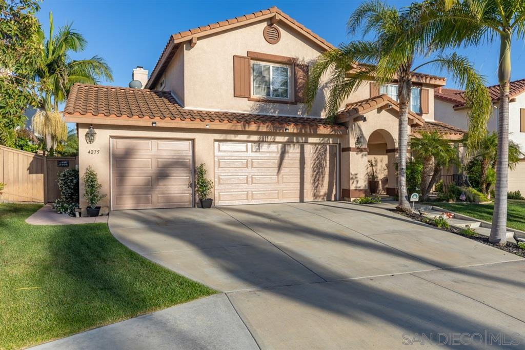 Main Photo: OCEANSIDE House for sale : 5 bedrooms : 4275 Alta Vista Ct