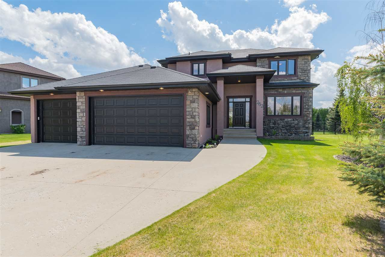 Main Photo: 282 ESTATE WAY Crescent: Rural Sturgeon County House for sale : MLS®# E4200974