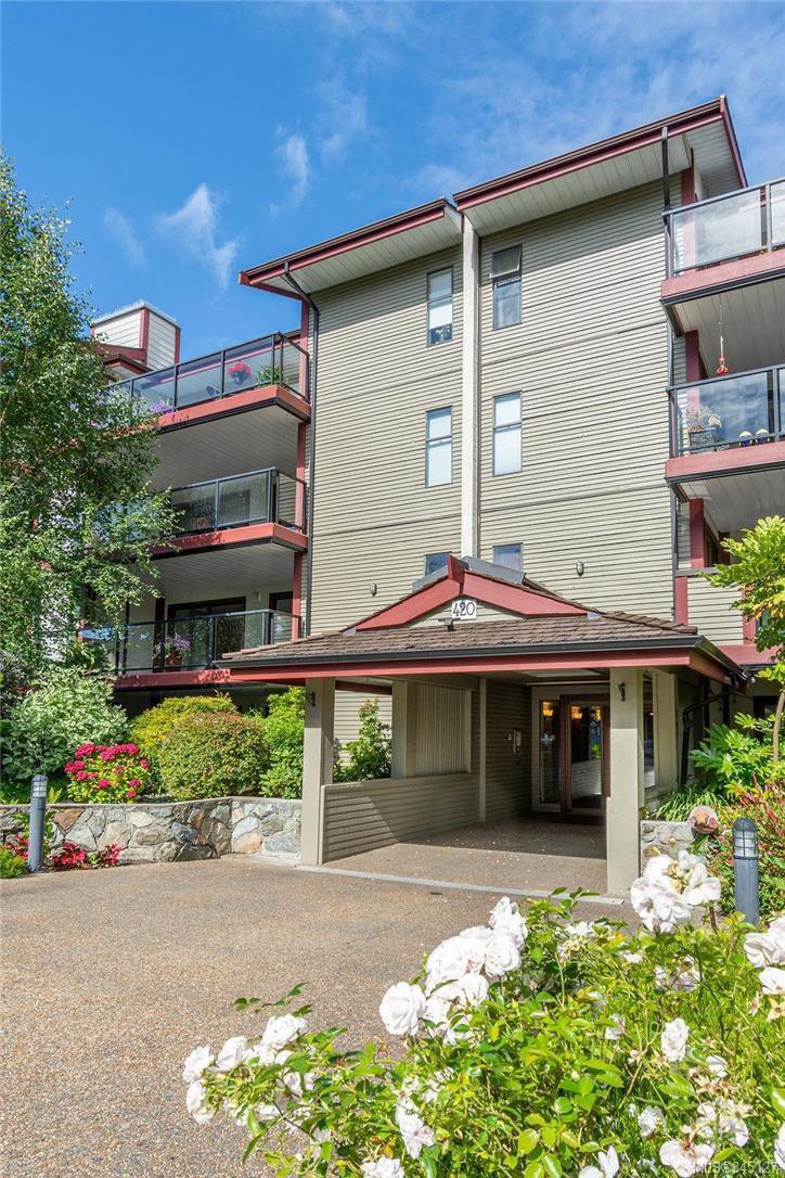 Main Photo: 201 420 Parry St in Victoria: Vi James Bay Condo Apartment for sale : MLS®# 845127
