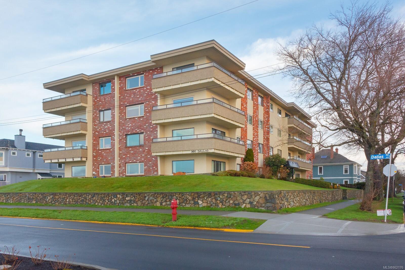 Main Photo: 305 360 Dallas Rd in : Vi James Bay Condo for sale (Victoria)  : MLS®# 862176