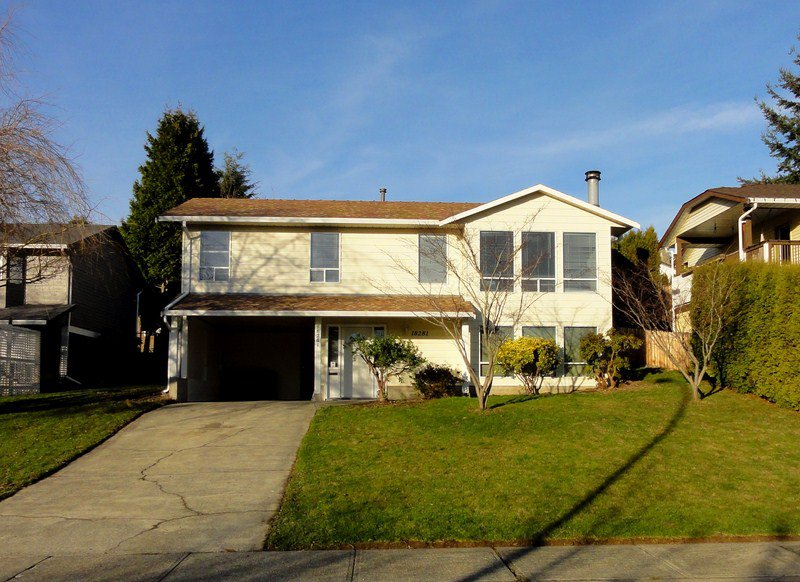 Main Photo: 18281 56A Avenue in Surrey: Cloverdale BC House for sale (Cloverdale)  : MLS®# F1300178