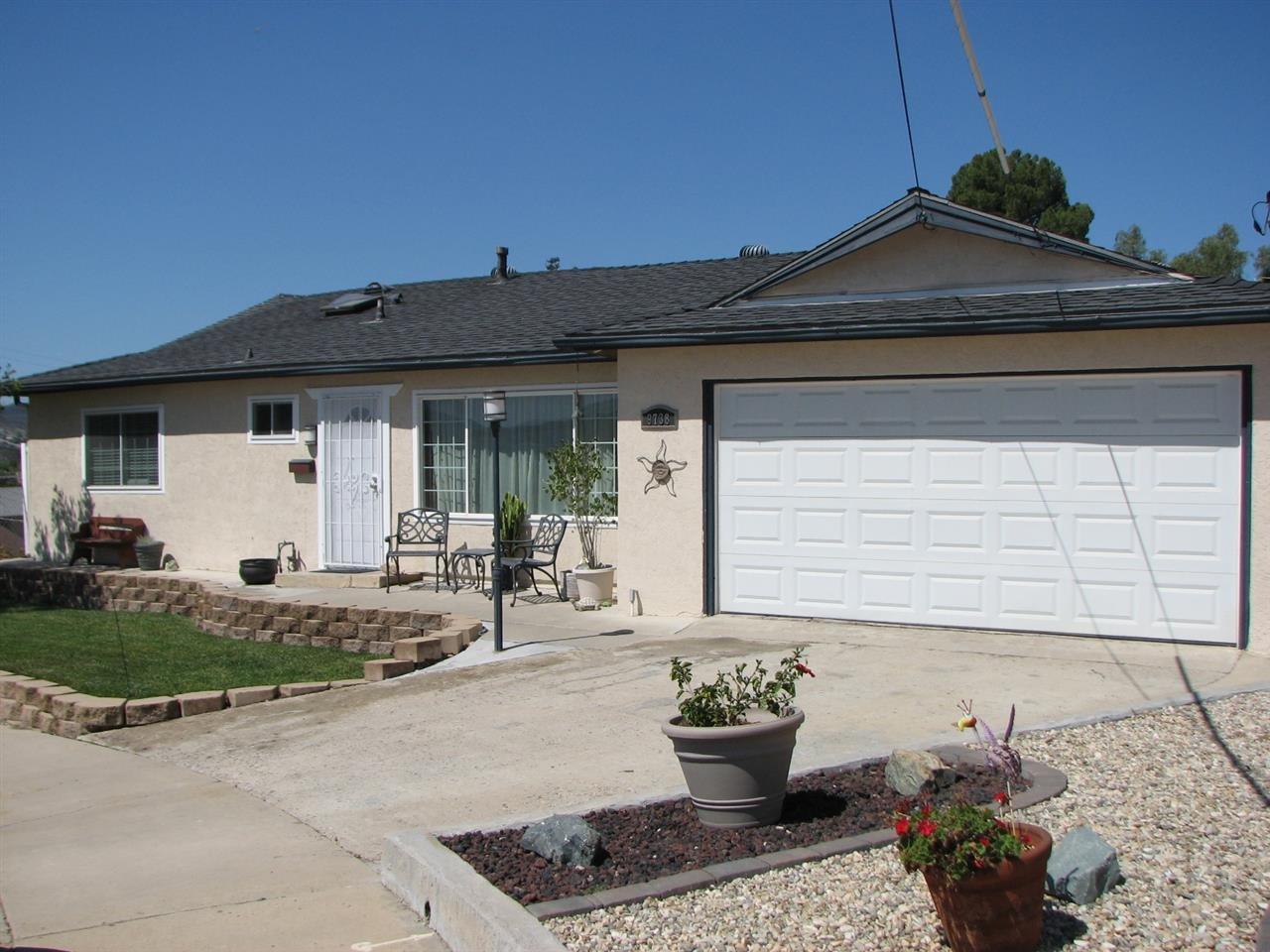 Main Photo: SANTEE House for sale : 4 bedrooms : 9738 Ramo Ct