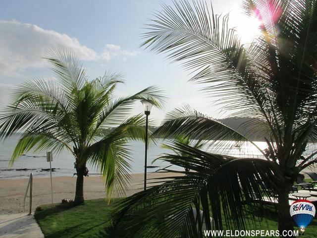 Casa Bonita Resale - Ready for a stroll along the beach?
