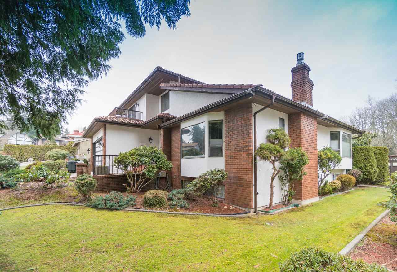 Photo 2: Photos: 6397 CAULWYND PLACE in Burnaby: South Slope House for sale (Burnaby South)  : MLS®# R2244877