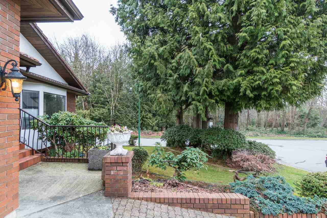 Photo 3: Photos: 6397 CAULWYND PLACE in Burnaby: South Slope House for sale (Burnaby South)  : MLS®# R2244877