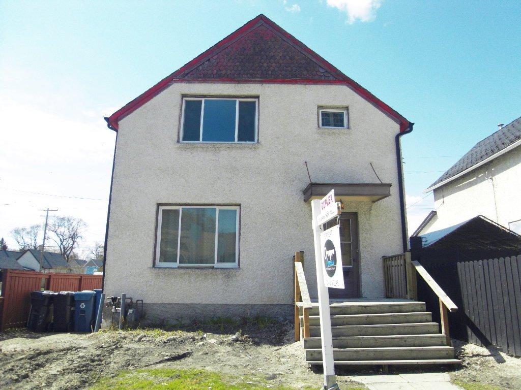 Main Photo: 2 360 Redwood Avenue in Winnipeg: House Duplex for rent