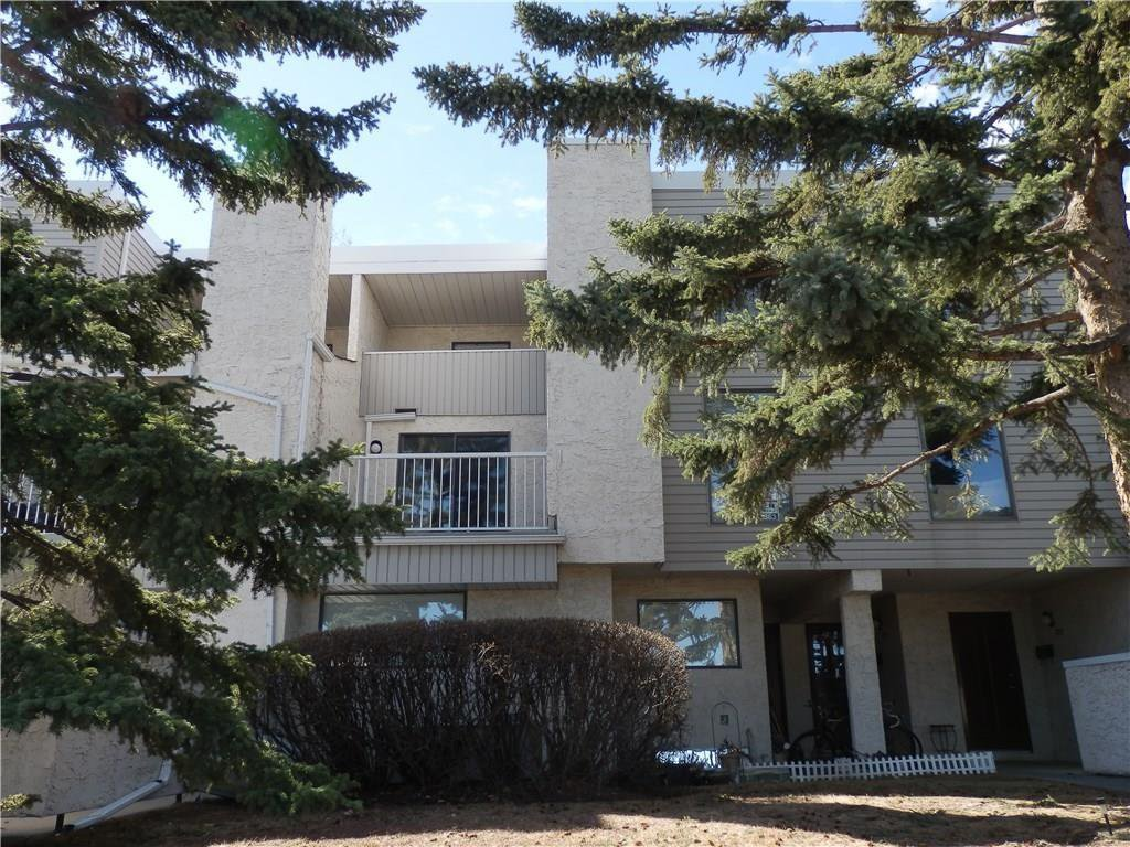Main Photo: 3500 Varsity Drive NW in Calgary: Varsity House for sale