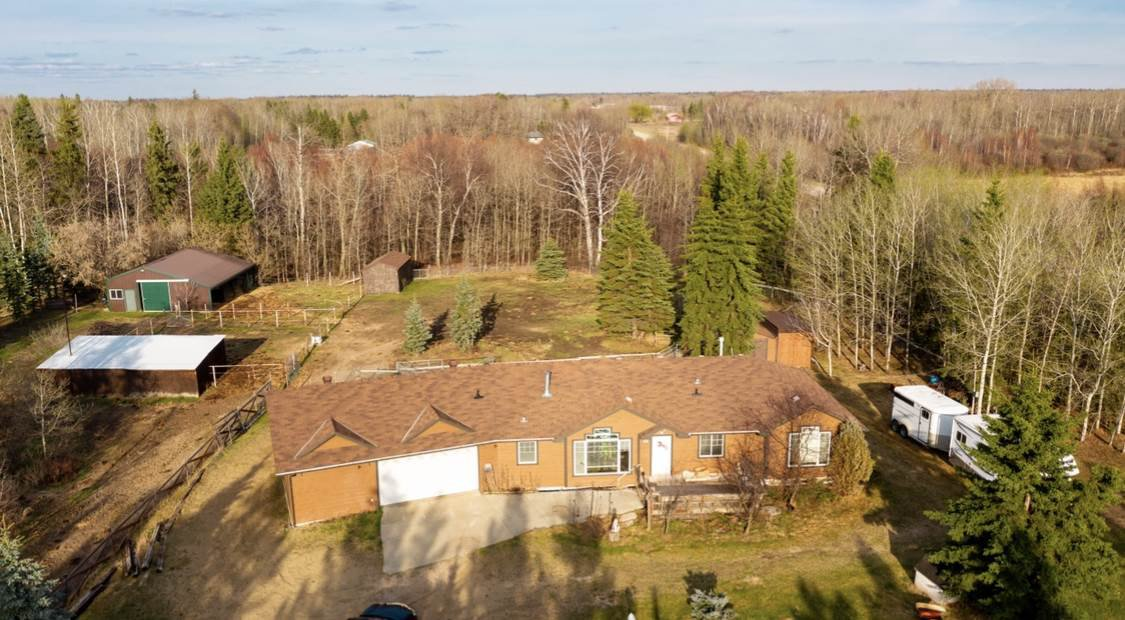 Main Photo: 26328 TWP RD 514: Rural Parkland County House for sale : MLS®# E4196895