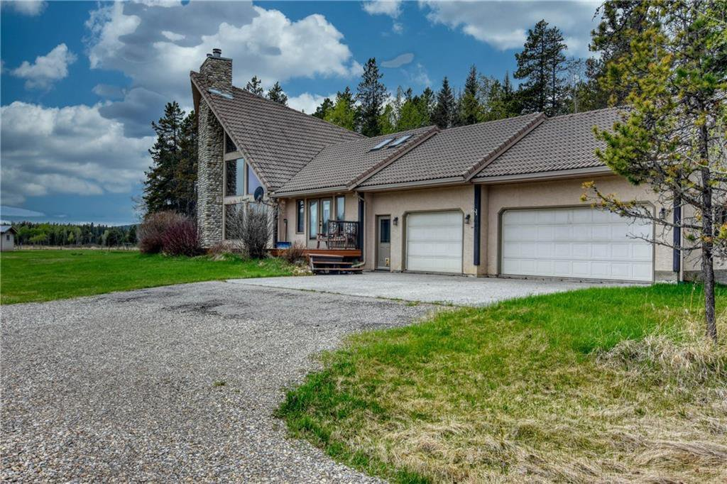Main Photo: 53131 GRAND VALLEY Road in Rural Rocky View County: Rural Rocky View MD Detached for sale : MLS®# C4299249