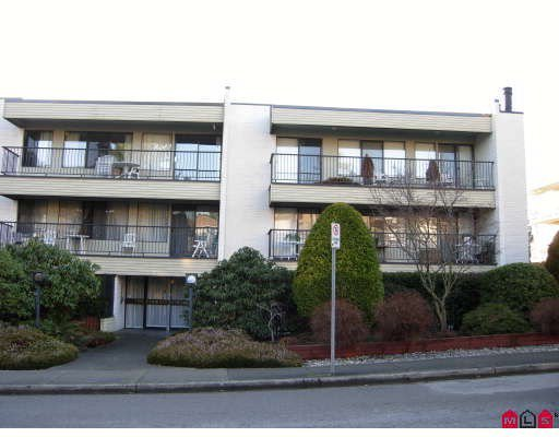 Main Photo: 304 1351 MARTIN Street in White Rock: Home for sale : MLS®# F2804176
