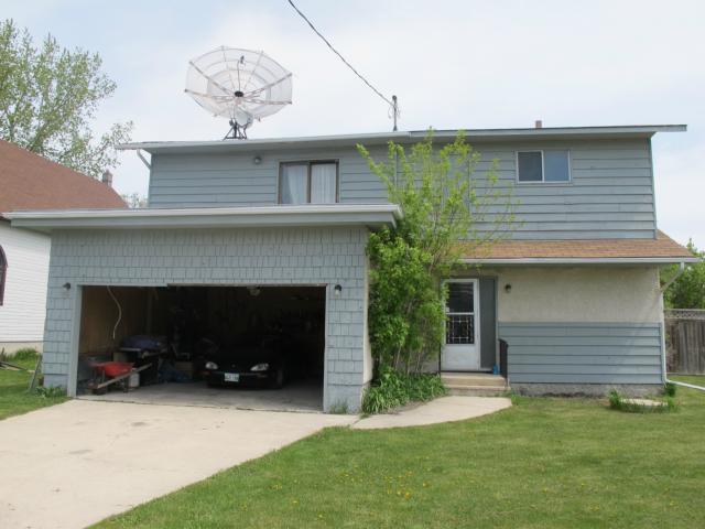 Main Photo:  in STARBUCK: Brunkild / La Salle / Oak Bluff / Sanford / Starbuck / Fannystelle Residential for sale (Winnipeg area)  : MLS®# 1210110