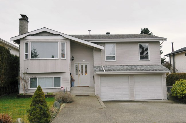 Main Photo: 1311 Hornby in Coquitlam: New Horizons House for sale : MLS®# V93449