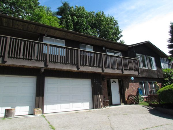 Main Photo: 2279 Sentinel Drive in Abbotsford: Abbotsford East House for rent