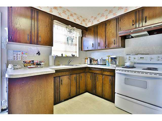 Photo 3: Photos: 2520 E 28TH AV in Vancouver: Collingwood VE House for sale (Vancouver East)  : MLS®# V1138108