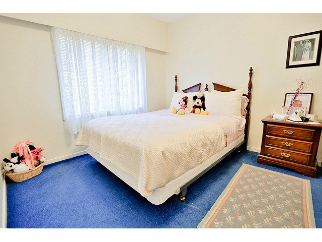 Photo 13: Photos: 2520 E 28TH AV in Vancouver: Collingwood VE House for sale (Vancouver East)  : MLS®# V1138108