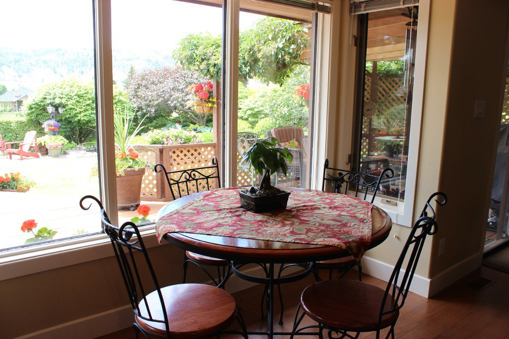 Photo 8: Photos: 3588 Navatanee Drive in Kamloops: South Thompson Valley House for sale : MLS®# 135510