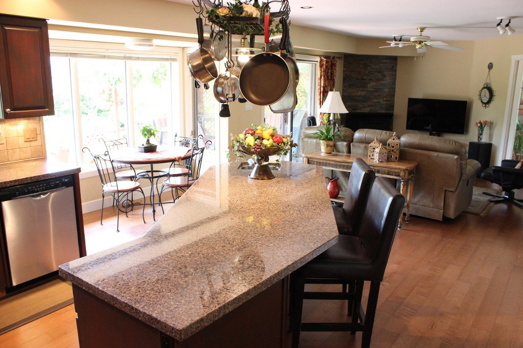 Photo 7: Photos: 3588 Navatanee Drive in Kamloops: South Thompson Valley House for sale : MLS®# 135510