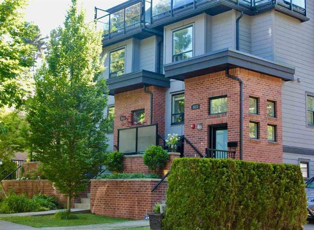 Photo 1: Photos: 3325 Windsor Street in Vancouver: Fraser VE Townhouse for sale (Vancouver East)  : MLS®# R2270892