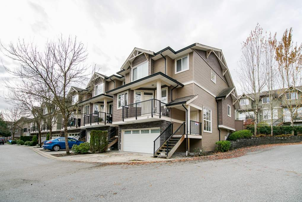 Main Photo: 32 11720 COTTONWOOD DRIVE in Maple Ridge: Cottonwood MR Townhouse for sale : MLS®# R2321317